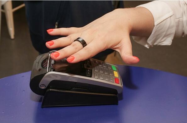 Visa信用卡为2016奥运会运动员提供一款支付指环