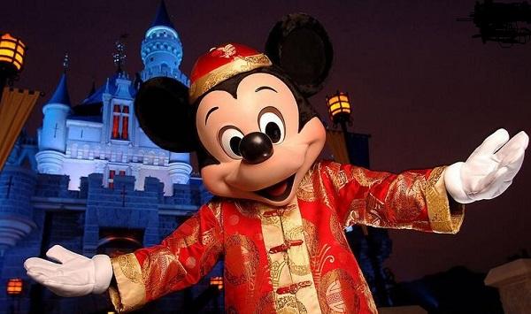 玩转迪士尼:带上信用卡来一场梦幻旅行